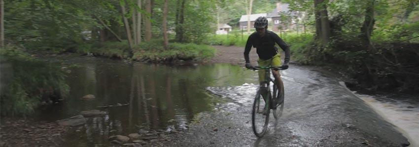 Mountainbiken door ongerepte natuur in de Belgische Ardennen