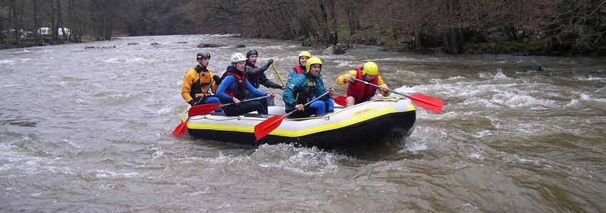 raften in de Belgische Ardennen is een echte stoere activiteit op de rivier de ambleve